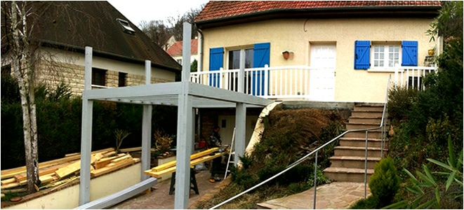 Extension terrasse sur pilotis for Agrandissement pavillon